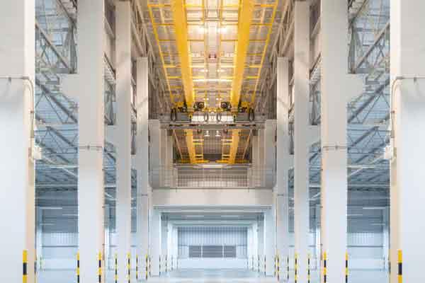 Pre-engineered crane buildings