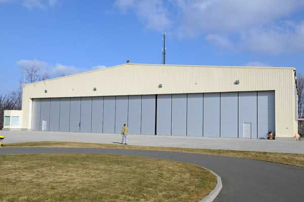 Commercial Hangar Building in Metal